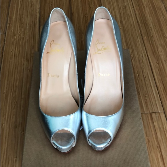 f296df5c8d6 CHRISTIAN LOUBOUTIN Very Prive sz.37 Silver Heels